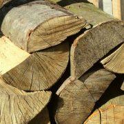 Drewno kominkowe wysezonowane